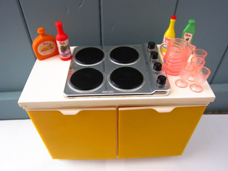 Retro sindy built in hob, sindy furniture, sindy stove and cupboard, 1970s toys, vintage dolls house furniture, sindy cooker, 1970s sindy by thevintagemagpie01 on Etsy