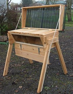 Horizontal Top Bar Hive … (With images) | Top bar bee hive ...