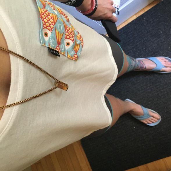 Women's clothing・Pocket tee・Fishing・Pattern・Funny・Montreal ❖ Vêtements pour femmes・Tank top・Chandail à poche・hameçon・Motifs・Montréal