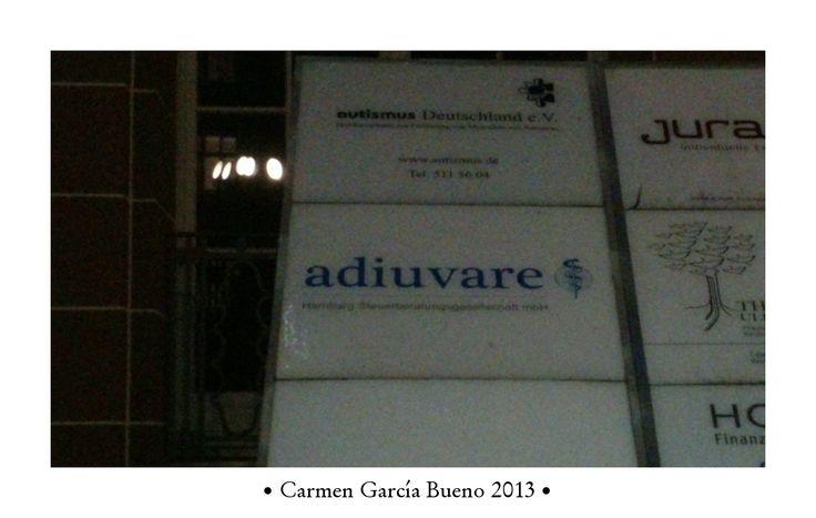 """""""Adiuvare"""", visto en Hamburgo (Alemania)"""
