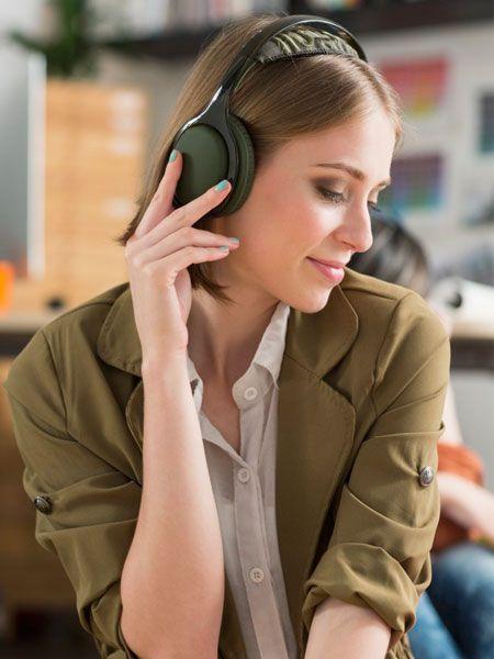 Dienste wie Spotify revolutionieren gerade den Musikmarkt. Mit einem Download kostenlos Musik hören? Wie das Lieblingssong-Hören damit