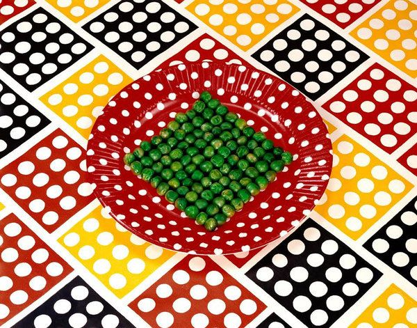 """""""Peas on a Plate,"""" 1978.Credit© Sandy Skoglund; Courtesy of the artist and RYAN LEE Gallery, New York."""