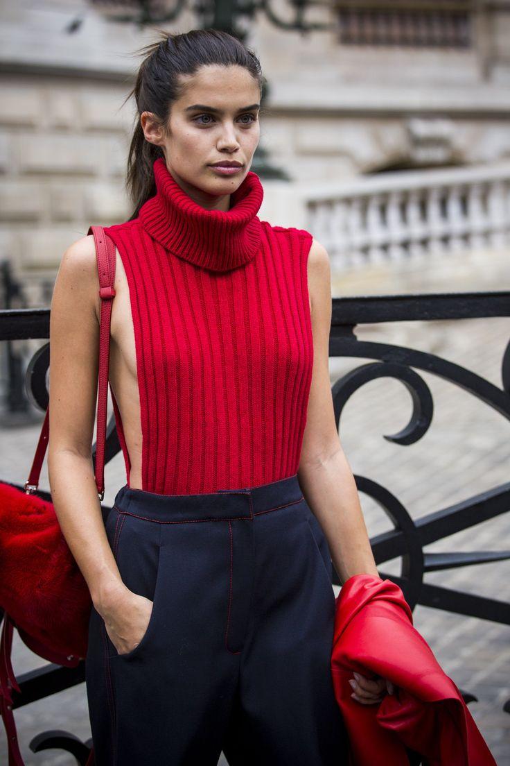 Meghan Markle's White Turtleneck Dress Look for Less - The ...