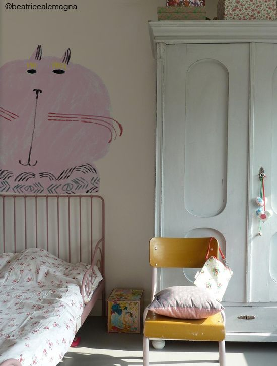 the boo and the boy: eclectic kids roomslike the colour of the wardrobe