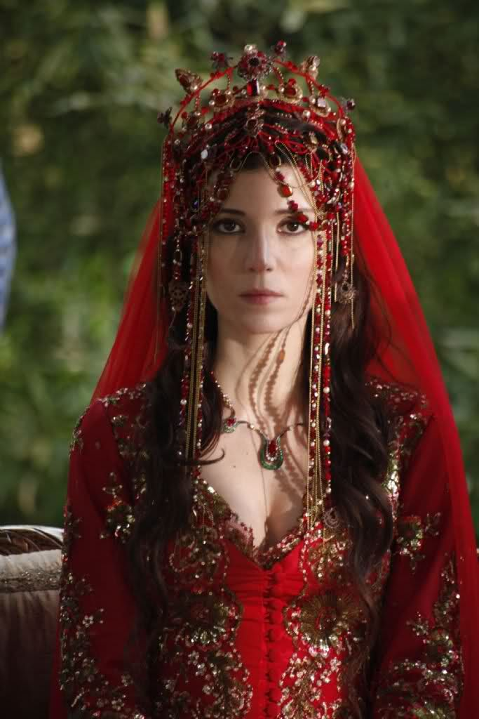 Hatice Sultans gorgeous red dress (Magnificent Century)
