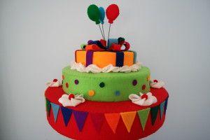 taart 5, webshop het Vrolijke Nest, felt cake, taart van vilt