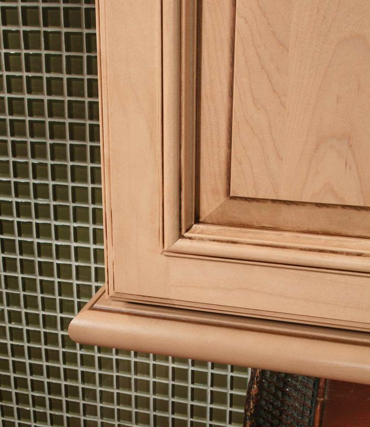 Light Rail Cabinet Molding: Cabinet Moldings & Decorative Accents