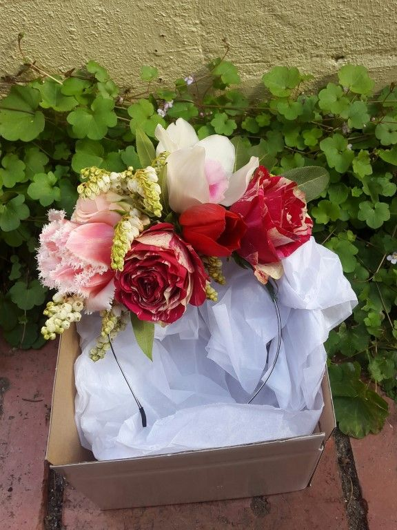 Nicole Fuchs- Flowers to Wear - Tesselaar Flowers
