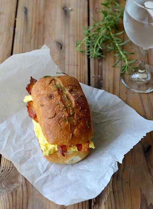 Rosemary and Olive Oil Ciabatta Egg Sandwiches: Olives Oil, Bacon Sandwiches, Egg Sandwiches, Olive Oils, Recipes Sandwiches, Ciabatta Eggs, Eggs Recipes, Eggs Sandwiches, Oil Ciabatta