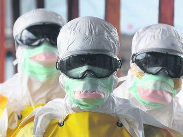 AREQUIPA. 22 trajes y 1 cápsula para afrontar el ébola. http://hbanoticias.com/13511