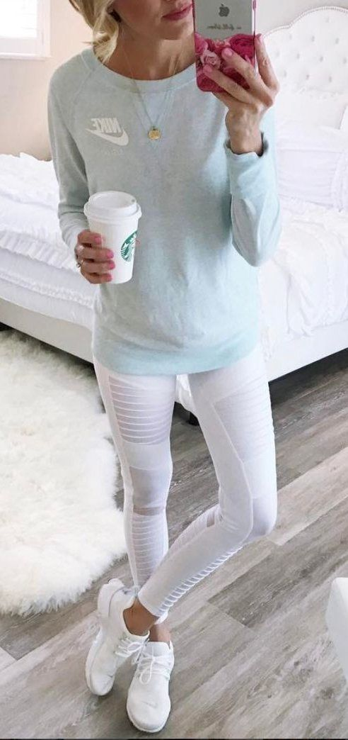 #winter #outfits gray Nike sweater and white leggings #gymoutfits