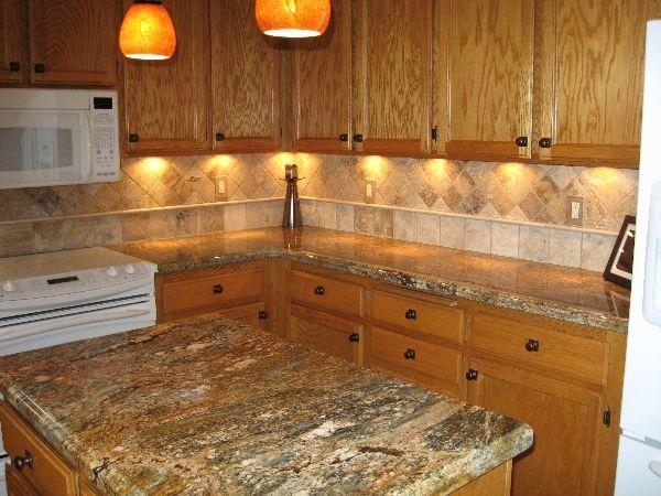 Kitchen Backsplash With Golden Thunder Golden Ray