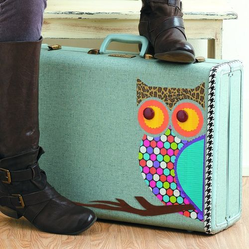 I am so making this suitcase!!! Vintage suitcase and duct tape owl pattern!! Cutest thing ever :)