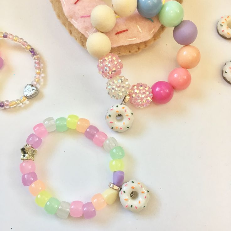 Donut Bracelet, donut party, donut birthday party, Kids Bracelet, donut jewelry, girls birthday gift, Bubblegum Bracelet, donut gift by VivibellesBows on Etsy https://www.etsy.com/listing/520661464/donut-bracelet-donut-party-donut