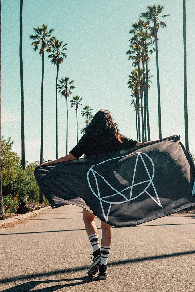 'OWSLA LOGO' FLAG // BLACK