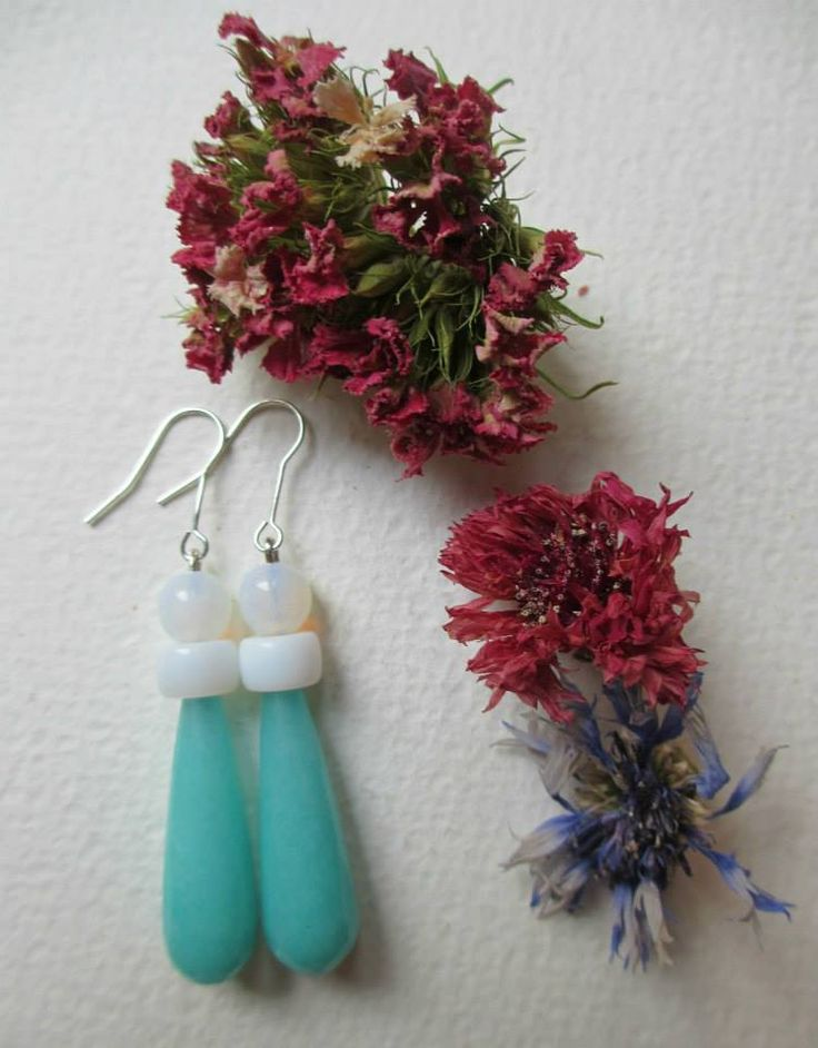 Earrings with white stones and Giada stone /Orecchini eleganti e chic  #earrings #fashion #colorful #handmade #bohemianjewelry