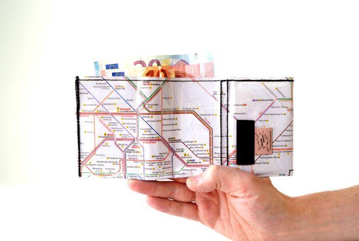 Portemonnaie BERLIN U-BAHN PLAN Warschauer Straße upcycling Unikat! Geldbörse, Brieftasche, Geldbeutel Berlin uBahnplan handmade in Berlin von PauwPauw auf Etsy