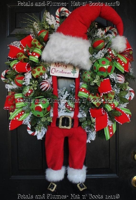 cute and differnet: Christmas Wreaths, Santa Wreaths, Crafts Ideas, Doors Decor, Wreaths Suspenders Santa Doors, Christmas Stockings, Cute Wreaths, Christmas Decor, Winter Wreaths