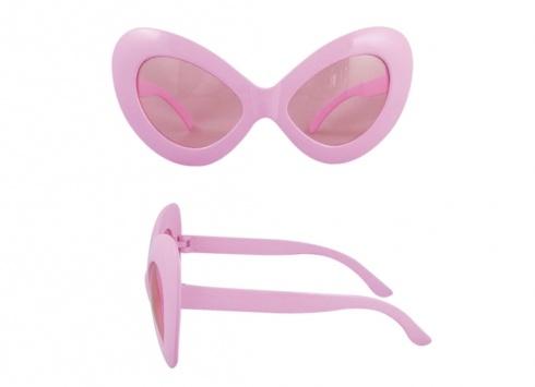 OCCHIALE FUNNY DIVA ROSA. Vuoi sentirti Diva??!!! Occhiale da sole in plastica di colore rosa metallizzato con piccola coroncina e piccola pietra posta al centro con lenti trasparenti