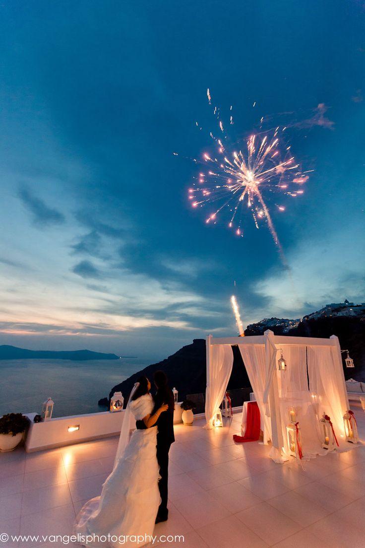 Santorini wedding fireworks - Poema Weddings and skylight fireworks. Photography by Vangelis photography