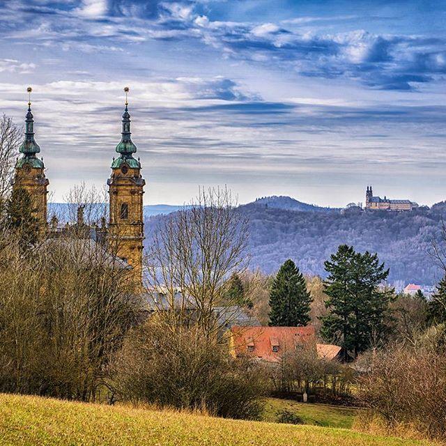 Die Basilika Vierzehnheiligen und Kloster Banz liegen am oberen Main bei Bad Staffelstein. Der Staffelberg ist 4 km entfernt. Da hat man schon den ganzen Tag zu tun  #meinfoto #deinbayern #antennebayern #igersfranconia #ig_germany #igersfranken #vierzehnheiligen #basilika #bavarianplaces #visitbavaria #sonya6000 #deutschlandkarte #meindeutschland #srs_germany #unlimitedgermany #märz #pocket_germany #fränkischeschweiz