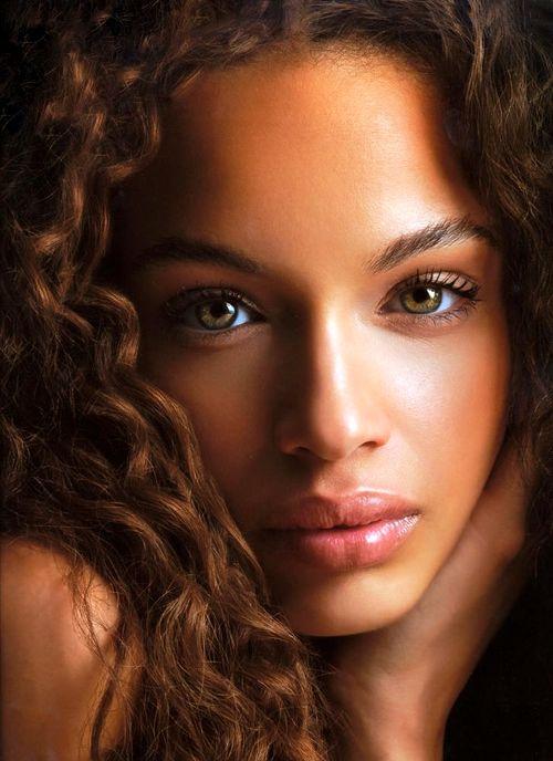 Bellos ojos verdes
