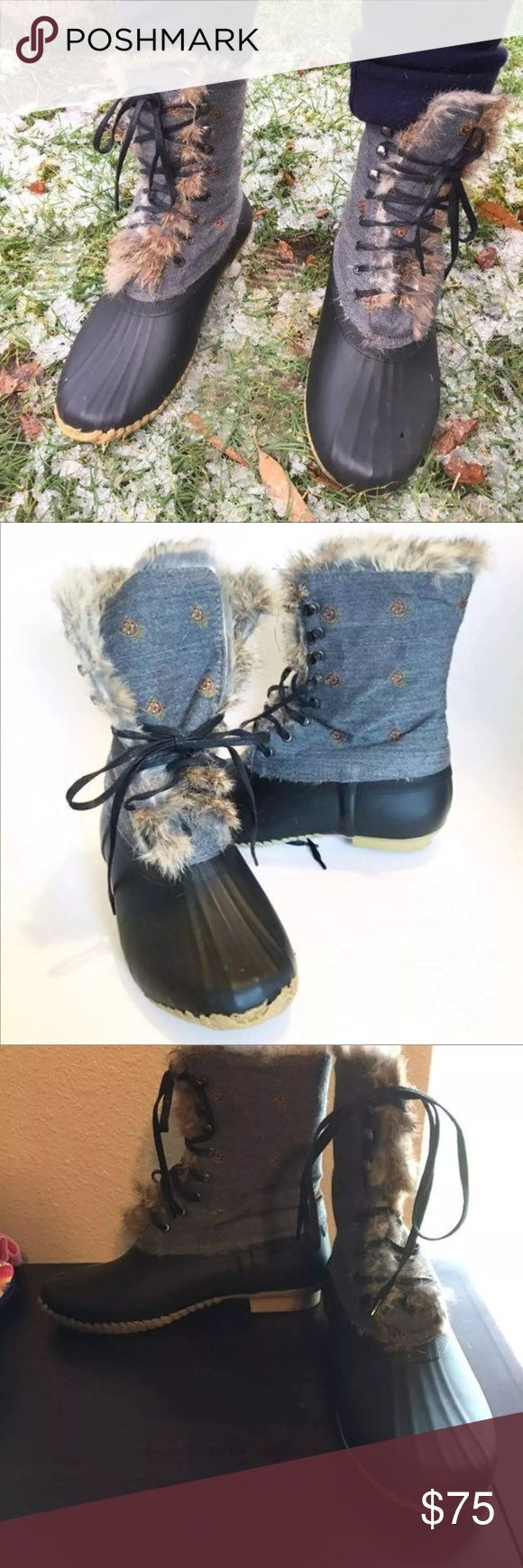🍁FLASH SALE🍁SPERRY DUCK TOPSIDER BOOTS J CREW🍁 Hard to find Sperry for J.Crew Topsider boots rabbit fur lined  like sorel size 8 run true to size i usually take an 8 1/2 and they are a tad too small on me.I have a great free people hoodie sweater that matches these perfect and another listing. Sperry Shoes Ankle Boots & Booties