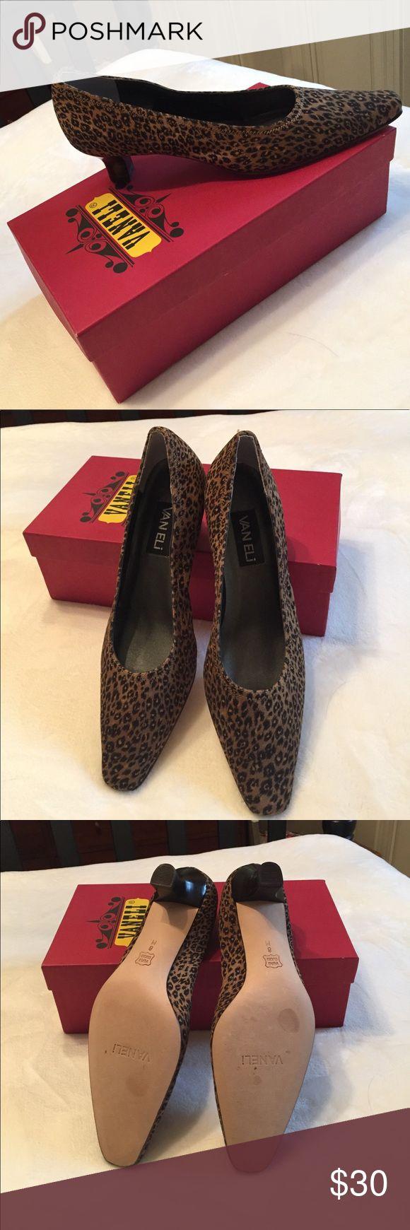 Vaneli Cheetah dress shoe Vaneli cheetah print dress shoe. Low, slightly chunky heel. Brand new - never been worn. Vaneli Shoes