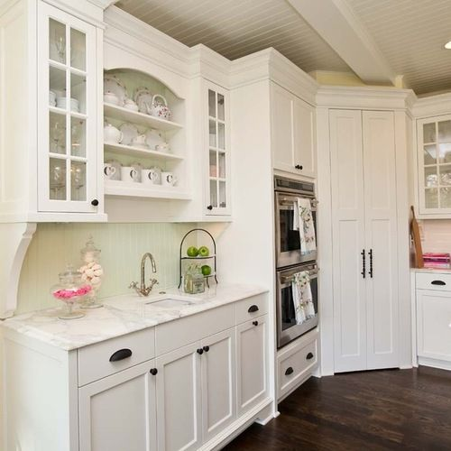Corner Pantry Design Ideas & Remodel Pictures | Houzz