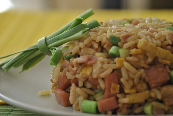 Esta es la receta original de Arroz chino, arroz frito, arroz tres delicias, que preparaban mis vecinos --> Original Chinese rice recipe
