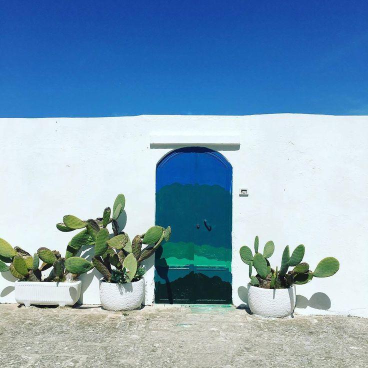 Bianco e blu - Ostuni - Puglia