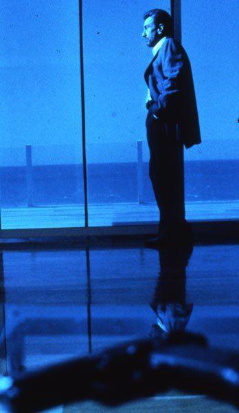 Robert De Niro in Michael man's 1995 Heat. Neil McCauley. The most disciplined criminal cinematic character ever.