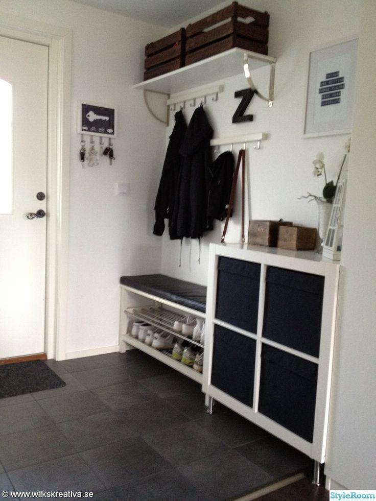 hall,svart,vitt,vit,grå,klinker,klinkers,golvvärme,trä,expedit,förvaring,garderober,skohylla,kroklist,krokar,tavla,lådor,ljuslykta,ikea,dyna...