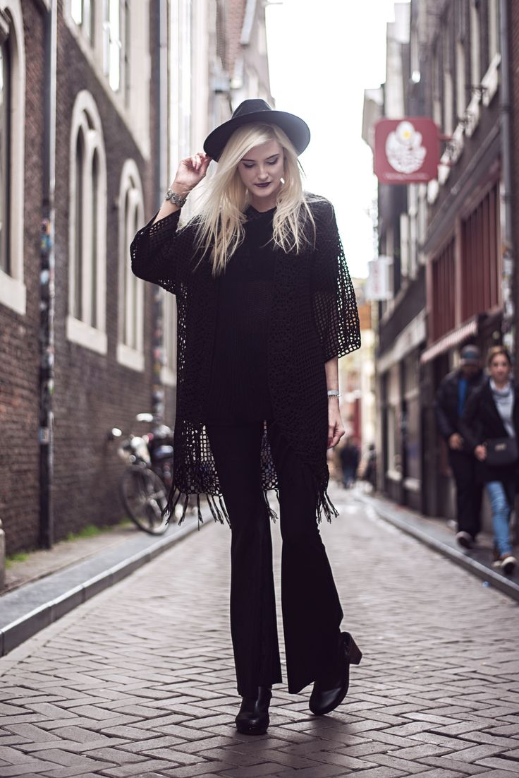Faye Amsterdam #3 | Outfit shoot in Amsterdam with my friend and blogger Faye | Moonlight Bohemian