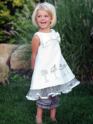 I kind of want to cut Avery's hair like this, but I don't know if she would sit still for it!