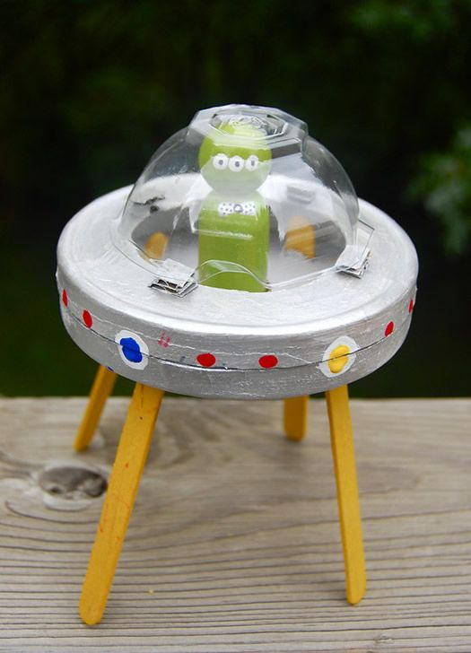 "Alien-theme craft (via ikat bag) + play friendly alien iPad game ""Star Catcher: Bubble Breaker"" https://itunes.apple.com/us/app/star-catcher-bubble-breaker/id592061427?mt=8"