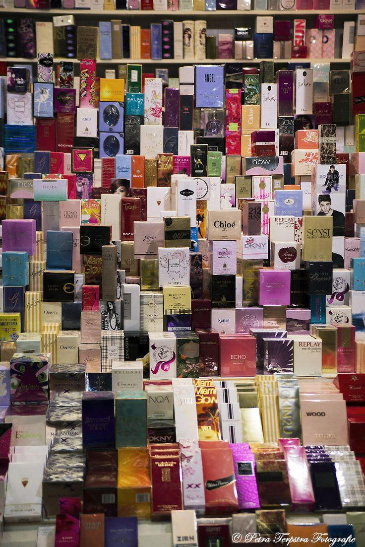 Alle soorten parfum doosjes bij elkaar