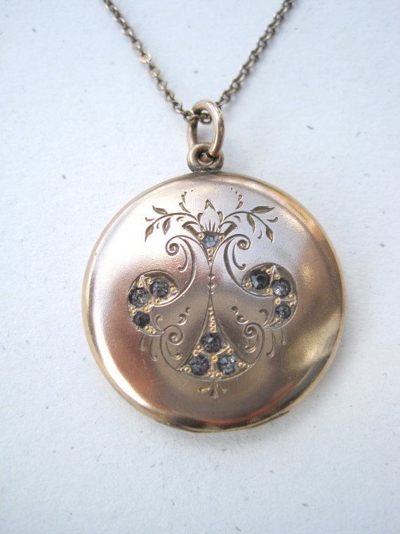Gorgeous Antique Victorian Locket with Ornate Engraving