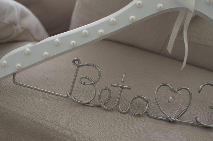 Cabide personalizado para noivas!