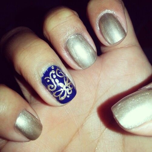 Gold and Navy nails #christmasnails