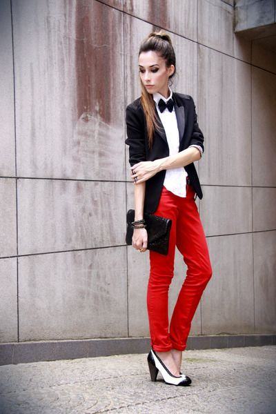 Black blazer, white button-up and bow tie, red skinnies, tuxedo pumps.