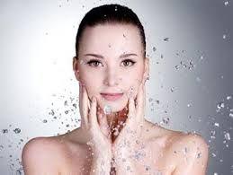 Sağlıklı Güzelliğin Adresi        Address healthy beauty: CİLT İÇERDEN BESLENİR, DIŞARDAN DESTEKLENİR
