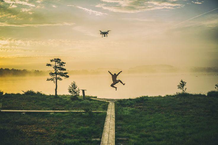 Gelişen teknolojinin yeni ürünlerinden biri olan Drone'lar, Dünya güzelliklerini farklı açıdan görmemizi sağlıyor. İşte Drone'larla çekilmiş 27.000 fotoğraf arasından en çok beğenilen 10 kare... Fotoğraflara geçmeden önce Drone ile ilgili biraz bilgi edinmekte fayda var