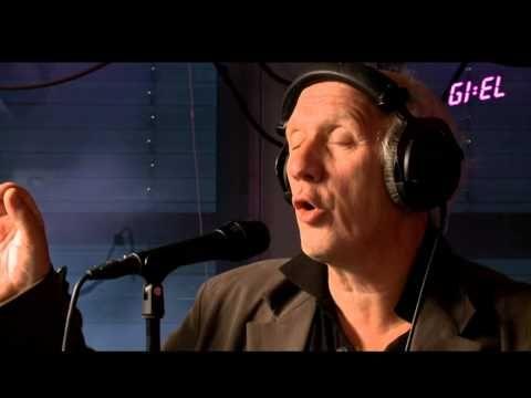 Herman van Veen covert Stromae @Giel3FM - YouTube