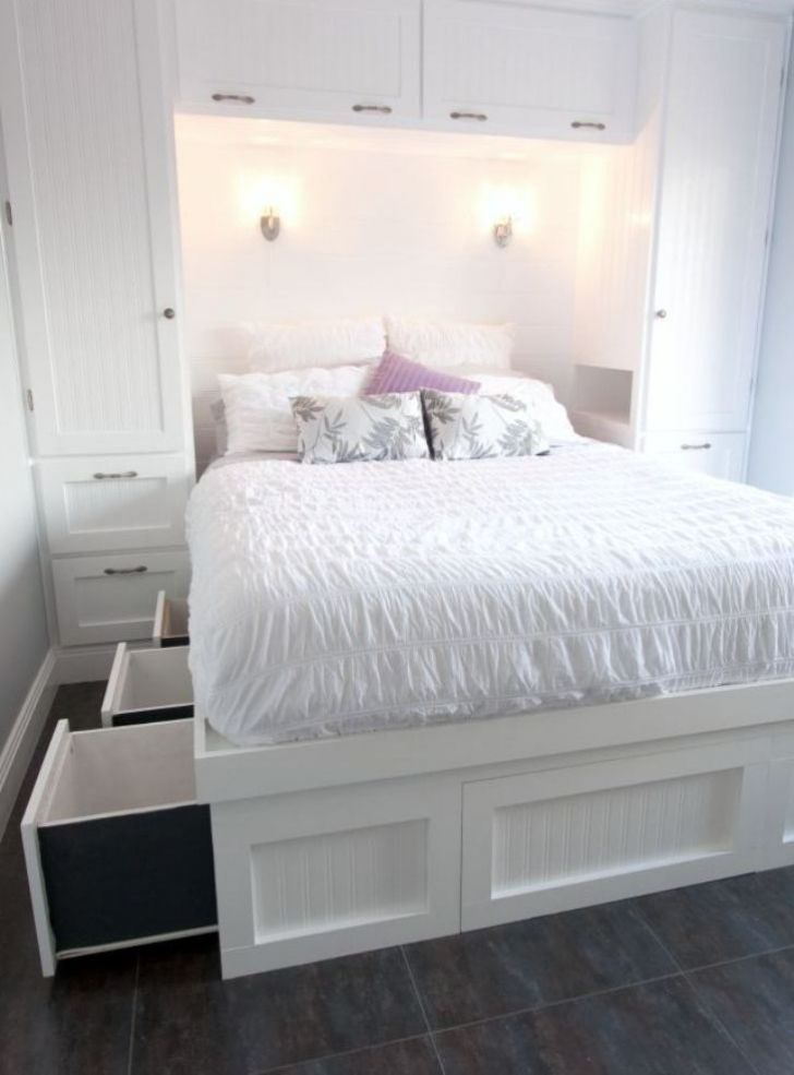 Practical Queen Bed In Small Bedroom Decor Ideas Bedrooom Smallbedroom Queenbed Bedroomlayou Diy Bedroom Storage Small Bedroom Remodel Small Bedroom Decor