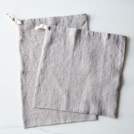 These are most definitely part of my fantasy kitchen: Linen Bread Bags (Set of 2)