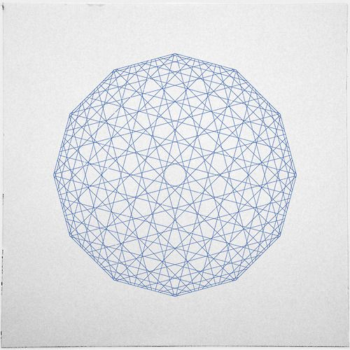 #409 Low-res sphere – A new minimal geometric composition each day
