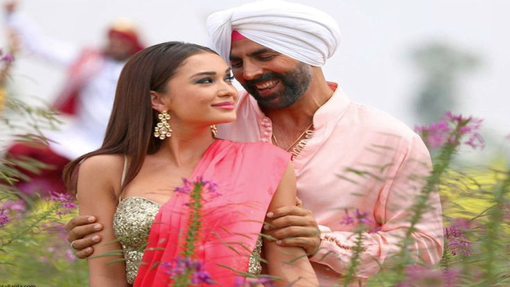 Akshay Kumar And Amy Jackson HD Wallpaper For Free Download ..http://colorfullhdwallpapers.blogspot.in/2015/10/singh-is-bling-movie-wallpapers-hd.html