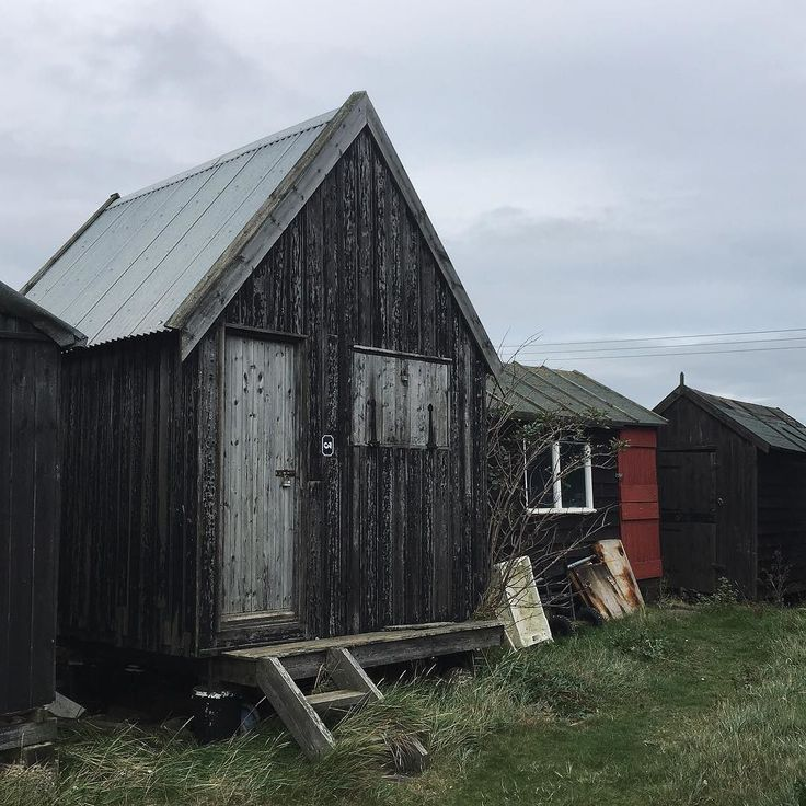 This would make the perfect writing shed...you know if I lived on the Suffolk coast or was actually an author...theres the ideal little cafe next door too with a lovely old fashioned log burning stove and they make really good coffee and you can order from the breakfast menu all day