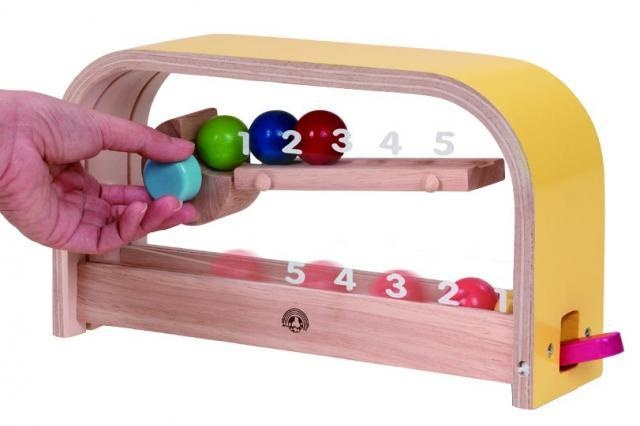 Counting Ball - push the lever to ADD the balls and twist the knob to SUBTRACT the balls - a good learning tool for the early age.